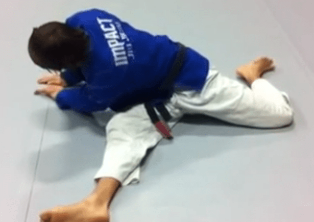 bjj_stretches_bretzel_3